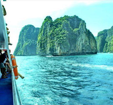 ทัวร์ภูเก็ต 3 วัน 2 คืน เกาะพีพีเรือเฟอร์รี่