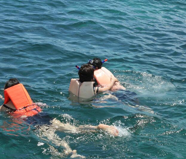 ทัวร์เกาะเฮ เรือสปีดโบ๊ท ราคาถูก